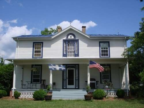 Le Bleu Ridge Bed and Breakfast