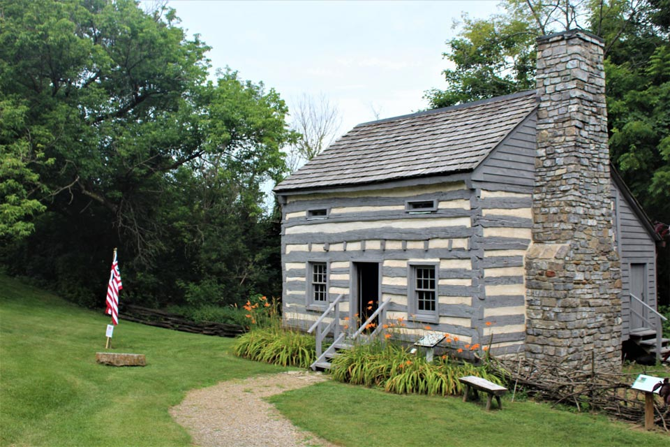 Smithfield Plantation Weavers Cabin