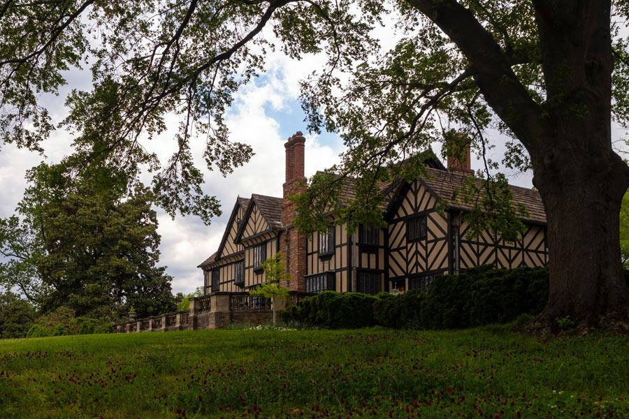 Agecroft Hall and Gardens